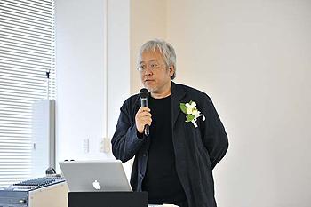 武蔵野美術大学デザイン・ラウンジVIデザイン担当 原 研哉 基礎デザイン学科教授