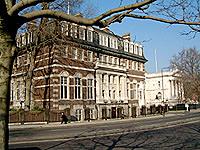 ロンドン芸術大学