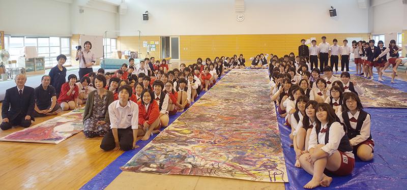 愛媛県済美高等学校集合写真