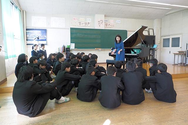 東京都三鷹市立第二中学校、府中市立府中第七小学校