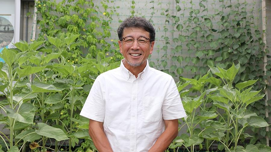 写真:油絵学科版画専攻 主任教授 遠藤竜太